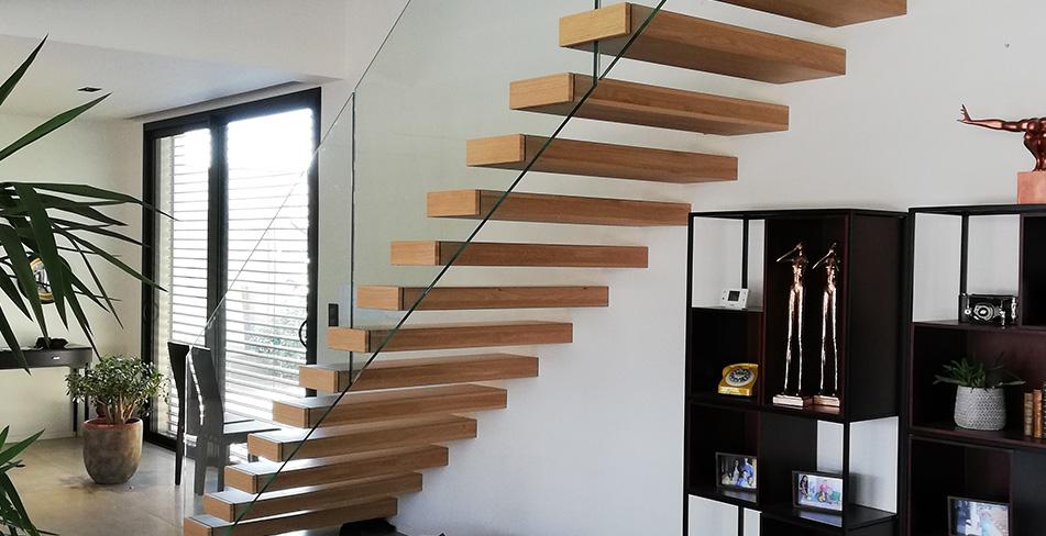 Séjour escaliers